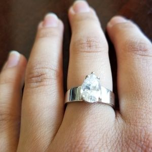 Jewelry - 925 thick sterling silver ring with cubic z's.6.75